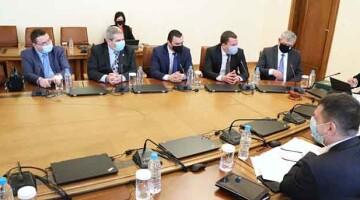 правителство България пернишки общини допълнителни пари